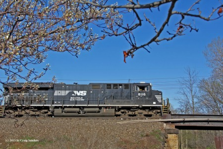 The lead unit of an eastbound crude oil train.